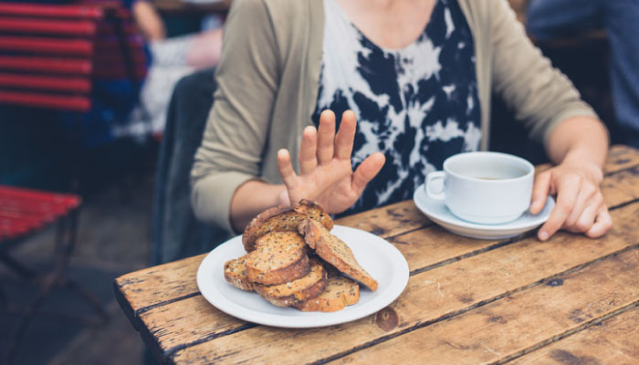 Women turns down bread at café, dealing with untreated diabetes