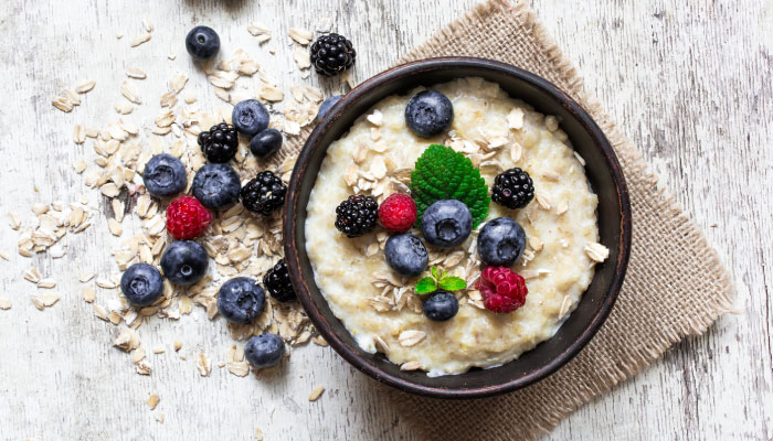 Oatmeal with fresh berries as a healthy breakfast option